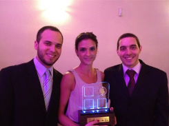 Hospital Veterinário Santa Catarina ganha prêmio jovem empreendedor 2012.